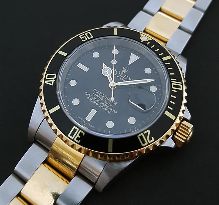 Rolex Submariner Date 18K YG & SS Wristwatch Ref. 16613LN