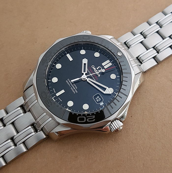 BLACK Omega Seamaster Professional Men's Co-Axial Wristwatch Ref. 212.30.41.20.01.003