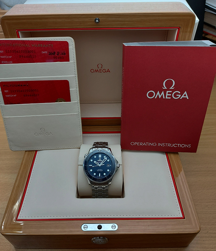 BLUE Omega Seamaster Professional Men's Co-Axial Wristwatch Ref. 212.30.41.20.03.001
