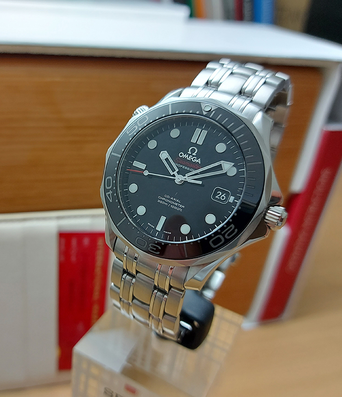 Omega Seamaster Professional Men's Co-Axial Black Wristwatch Ref. 212.30.41.20.01.003