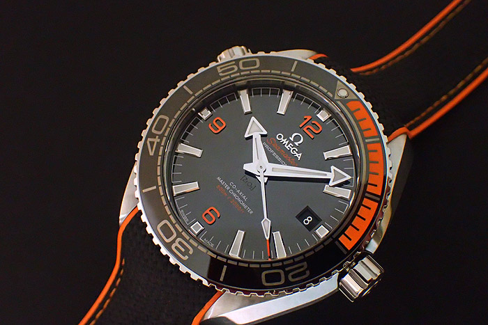 Omega Planet Ocean 600M Co-Axial Master Chronometer 43.5mm 215.32.44.21.01.001