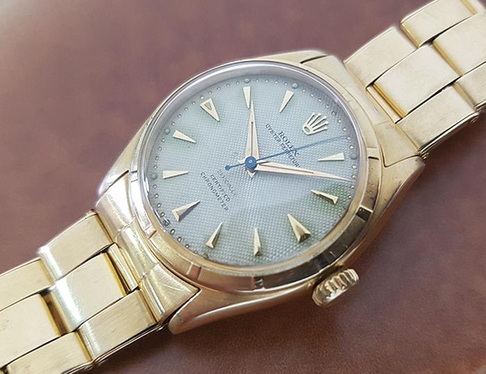 1951 Rolex Bubble Back 18K Gold Wristwatch Ref. 6085